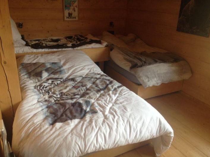 Location de vacances - Chalet à Le Praz de Lys - Chambre 3 - 1 lit 120 cm et 2 lits 90 cm