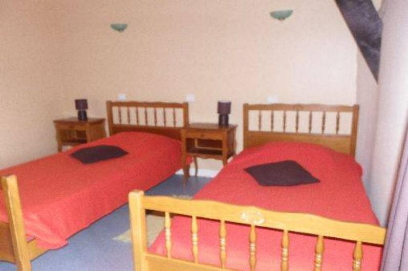 Location de vacances - Gîte à Combourg - chambre avec 2 lits de 90x140
