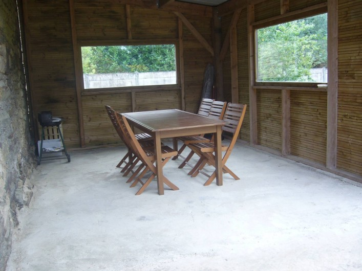 Location de vacances - Maison - Villa à Cléguérec - salon de jardin terrasse couverte  ,ou plein air