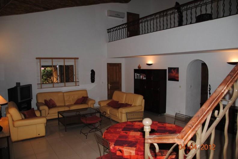Location de vacances - Maison - Villa à Nianing - Coin salon et salle manger.