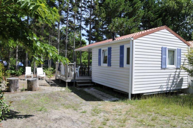 Location de vacances - Bungalow - Mobilhome à Biscarrosse - Mobil home 2 chambres avec terrasse semi-couverte, sur parcelle bien délimitée