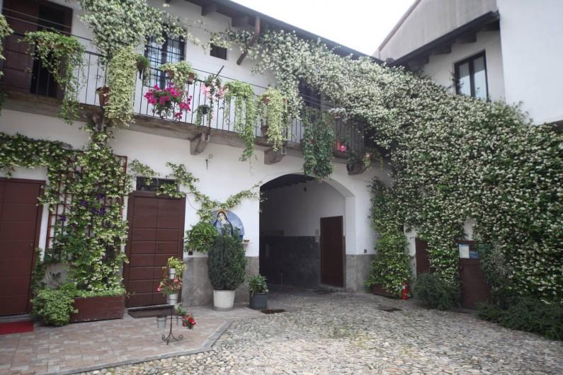Location de vacances - Chambre d'hôtes à Novate Milanese - La cour