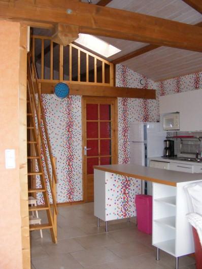 Location de vacances - Gîte à Brem-sur-Mer - accès salle d'eau