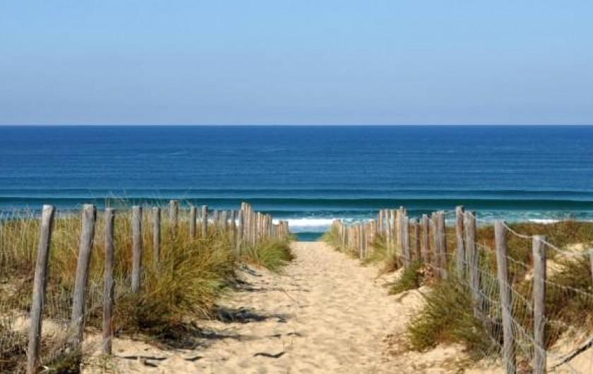 Location de vacances - Gîte à Brem-sur-Mer - accès plage