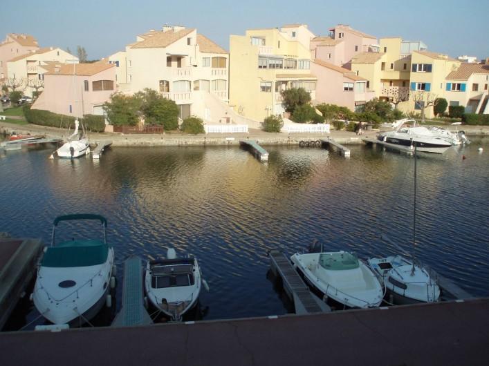Location de vacances - Appartement à Le Barcarès - le bas de la résidence