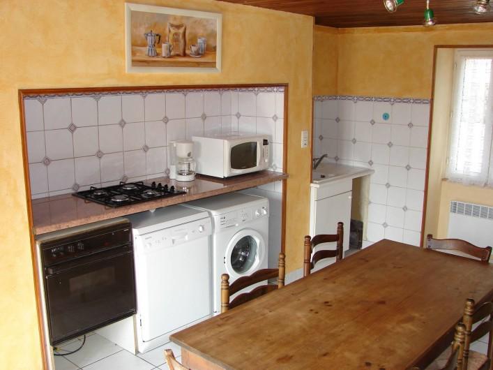 Location de vacances - Gîte à Cublac - cuisine