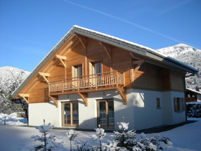 Location de vacances - Chalet à Samoëns - Le chalet sous la neige