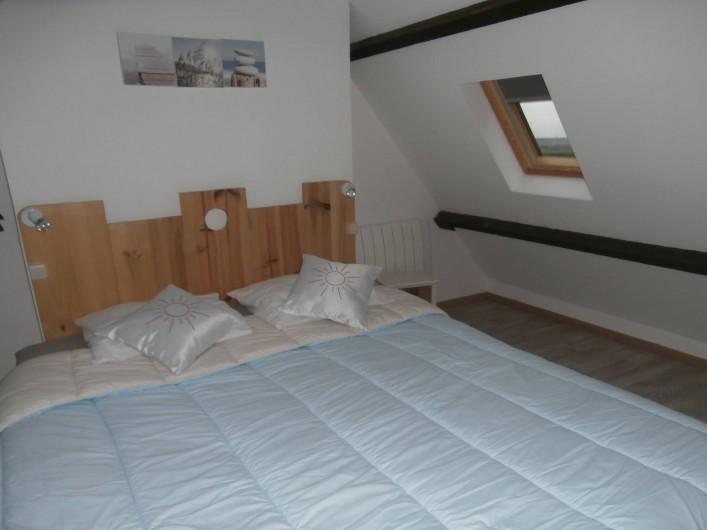 Location de vacances - Gîte à Beuvrequen - Le haut avec sa chambre en mézanine et son lit de 2 personnes