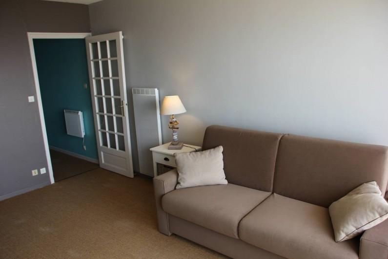 Location de vacances - Studio à Hardelot-Plage - Canapé-lit Rapido de marque DIVA, de grande qualité de couchage (50 kg par m2)