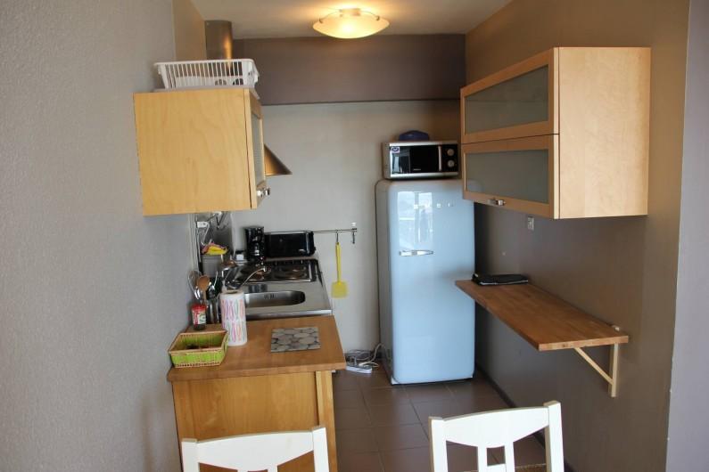 Location de vacances - Studio à Hardelot-Plage - cuisine avec four, cafetière, réfrigérateur (bac congélation), micro-onde