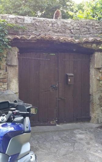Location de vacances - Maison - Villa à Cornillon - Entrée de la maison