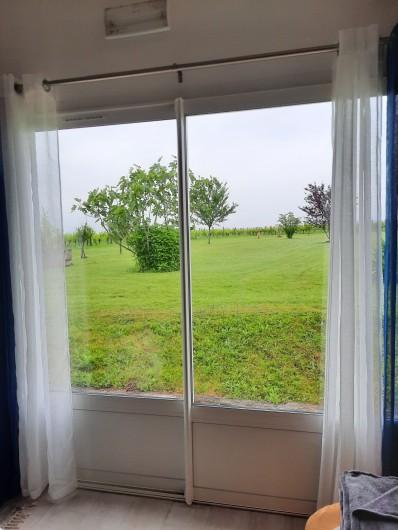 Location de vacances - Gîte à Vanzac - Depuis la chambre....