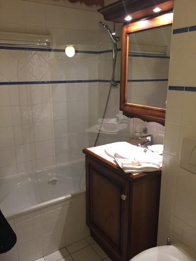 Location de vacances - Appartement à Arc 1800 - Il y a 2 salles de bains et 3 salles de douches