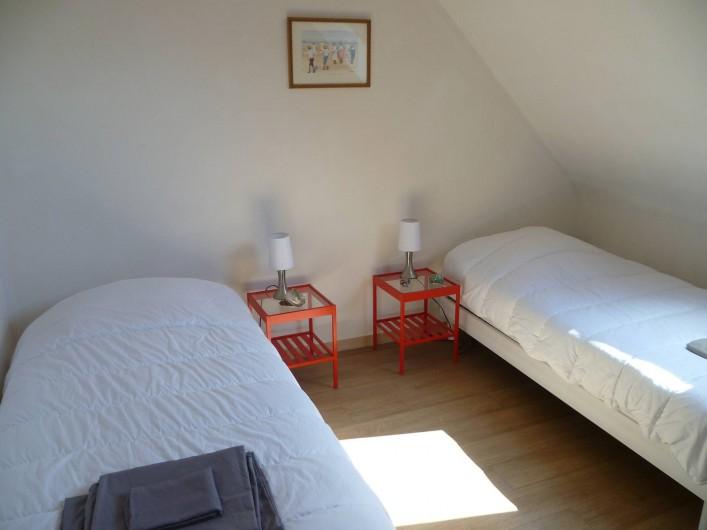 Location de vacances - Maison - Villa à Camaret-sur-Mer - chambre 2 lits 90x190