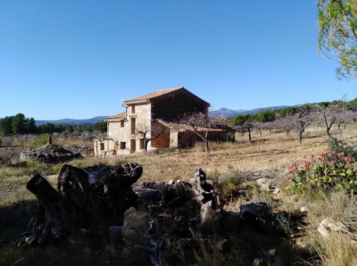 Location de vacances - Mas à Atzeneta del Maestrat - Casa Eliane de loin