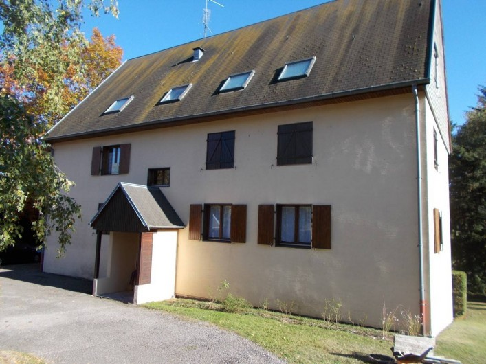 Location de vacances - Appartement à Labaroche - la résidence, les fenêtres des chambres en bas à droite
