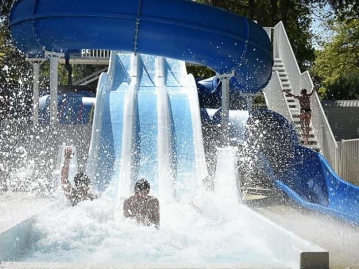 Location de vacances - Bungalow - Mobilhome à Saint-Brevin-les-Pins - Toboggans piscine