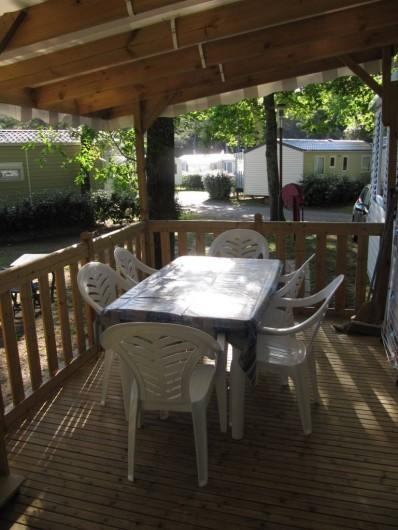 Location de vacances - Bungalow - Mobilhome à Saint-Brevin-les-Pins - Terrasse semi-couverte