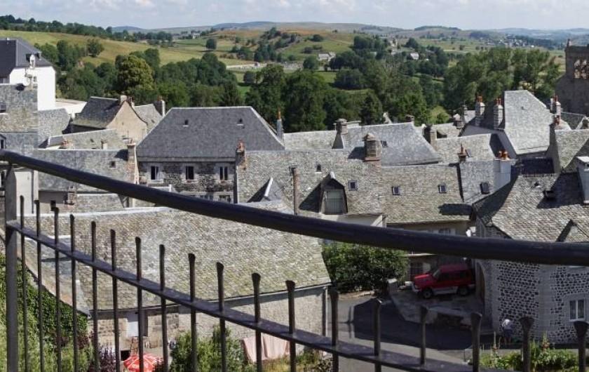 Location de vacances - Chambre d'hôtes à Saint-Urcize - Saint Urcize en panoramique.