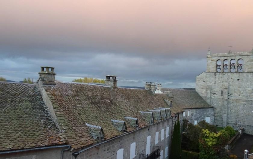 Location de vacances - Chambre d'hôtes à Saint-Urcize - Vue d'une des chambres.