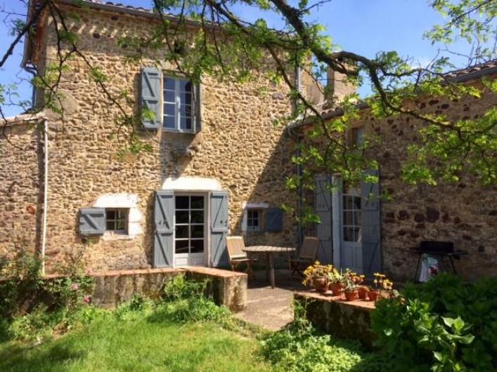 Location de vacances - Gîte à Biron - sur les terrasses de la maison