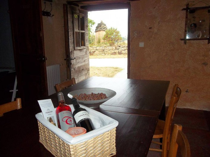 Location de vacances - Gîte à Biron - une  salle à manger conviviale