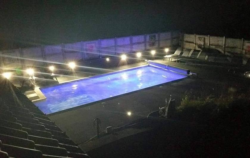 Location de vacances - Villa à Achet - Piscine Nocturne