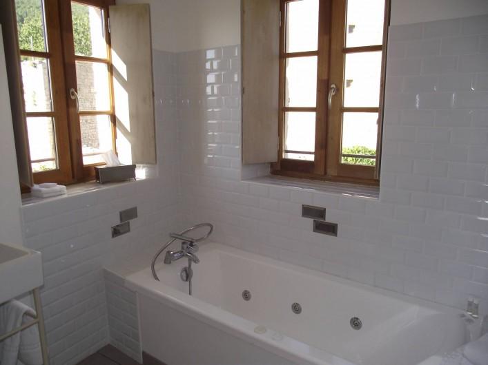 Location de vacances - Gîte à Le Poët-Laval - Salle de Bain Chambre Toscane