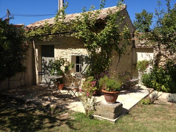 Location de vacances - Chambre d'hôtes à Caumont-sur-Durance - Un coin du Jardin