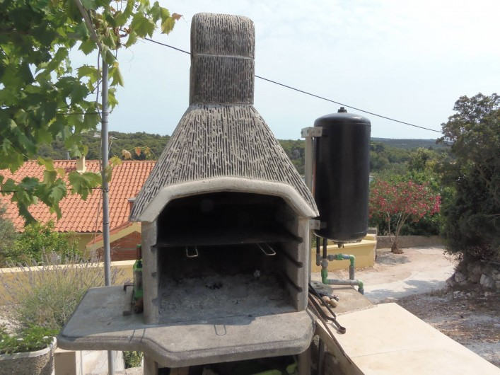 Location de vacances - Appartement à Veli Rat - Barbecue