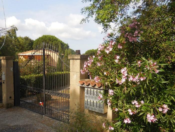 Location de vacances - Appartement à Guardistallo - Portillon d'entrée de la résidence