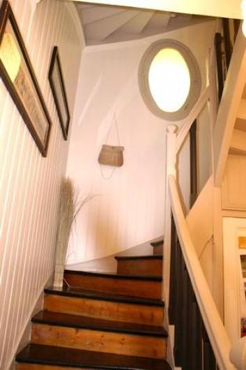 Location de vacances - Appartement à Le Touquet-Paris-Plage - Accès par un très bel escalier authentique