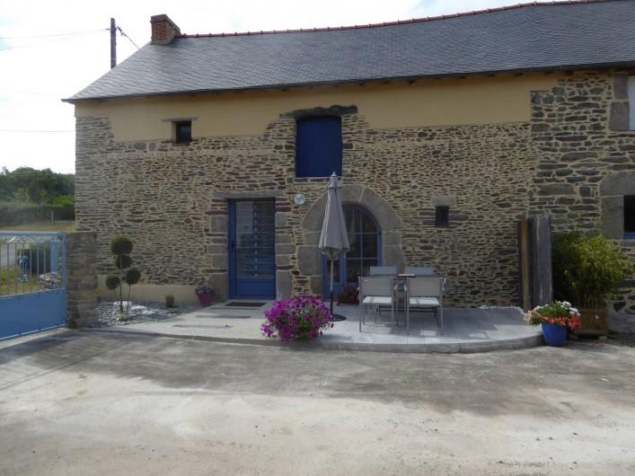 Location de vacances - Gîte à Mauron - la façade du gite