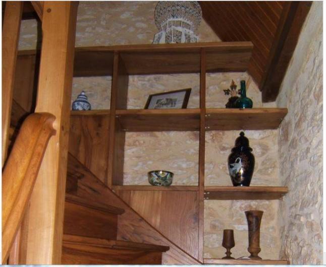 Location de vacances - Gîte à Saint-Cyprien - escalier d'accès à l'étage