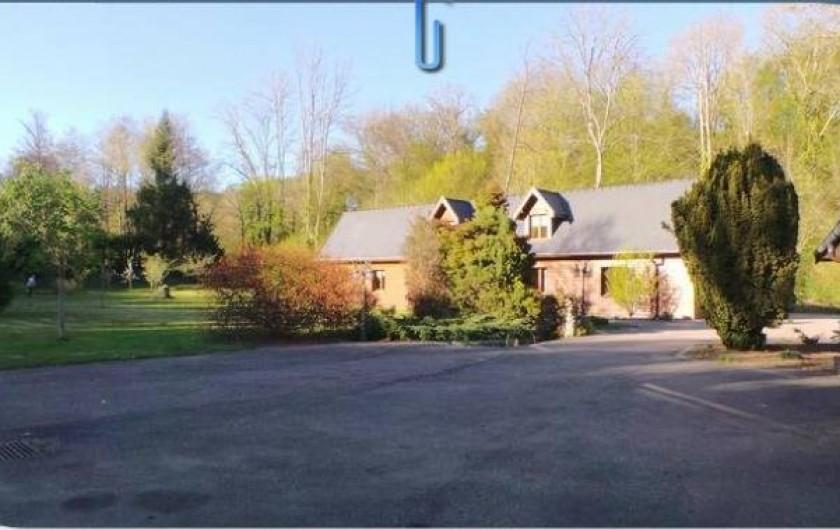 Location de vacances - Maison - Villa à Sexey-aux-Forges - Façade de la villa dans la propriété