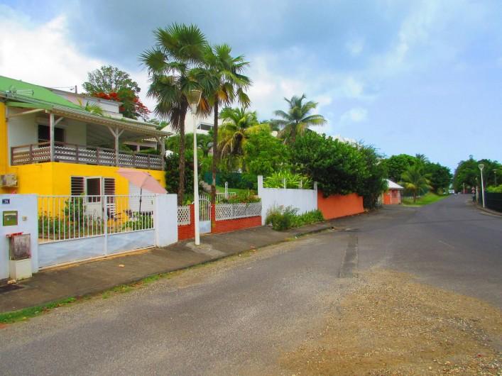 Location de vacances - Studio à Le Gosier - façade