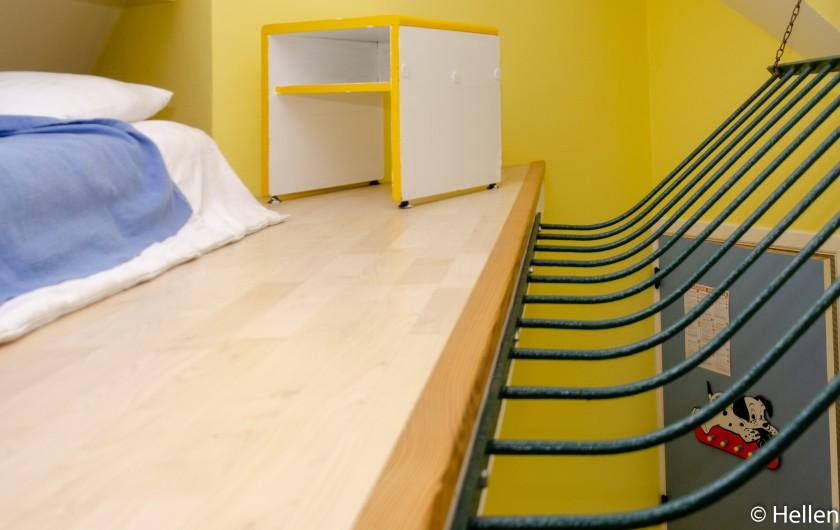 Location de vacances - Gîte à Theux - Chambre Walt Disney, avec un 3ème lit en mezzanine