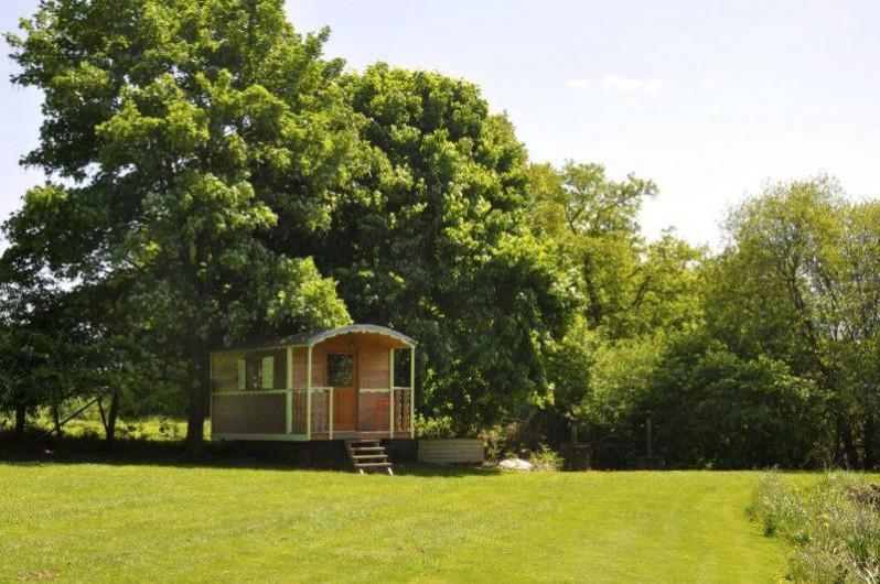 Location de vacances - Cabane dans les arbres à Saint-Pierre-de-Plesguen - Roulottes