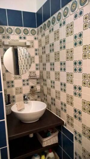 Location de vacances - Maison - Villa à Vers-Pont-du-Gard - salle de bains