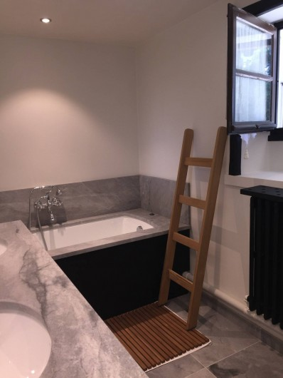 Location de vacances - Chalet à Megève - Salle de bain du bas
