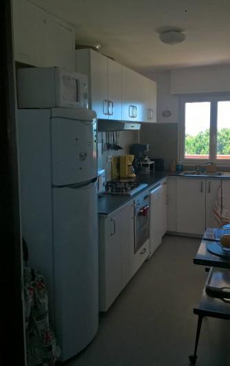 Location de vacances - Appartement à Le Grau-du-Roi - Cuisine donnant au Sud