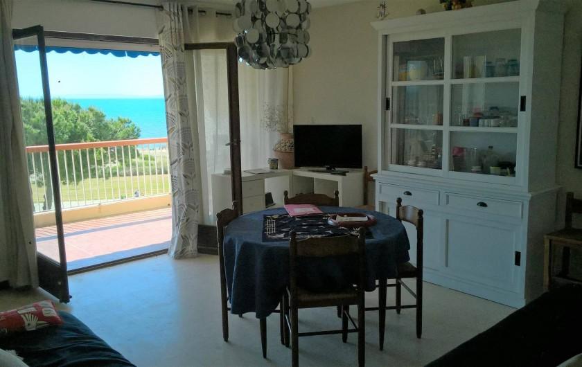 Location de vacances - Appartement à Le Grau-du-Roi - Séjour plein Sud sur terrasse