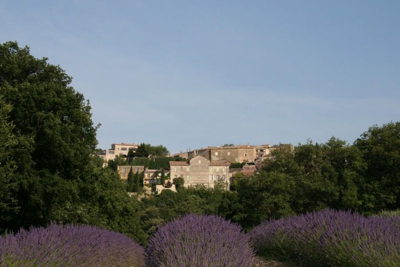Location de vacances - Mas à Chantemerle-lès-Grignan - vue sur le village