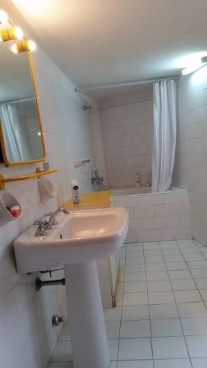 Location de vacances - Villa à Aci Castello - Une salle de bain