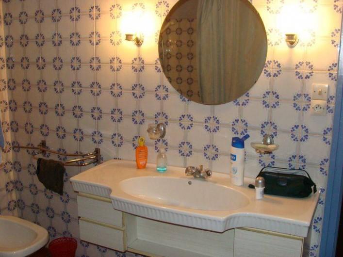 Location de vacances - Gîte à Sillas - Salle de bain