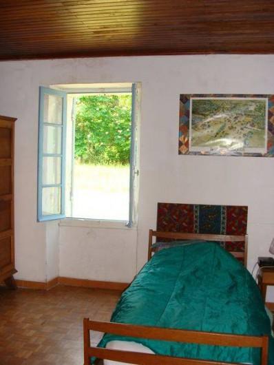 Location de vacances - Gîte à Sillas - Chambre 1