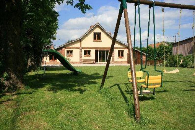 Location de vacances - Gîte à Frencq - Façade coté parc .