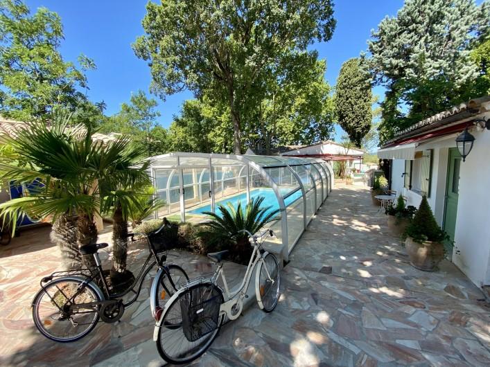 Location de vacances - Villa à Uzès - espace vie bureau