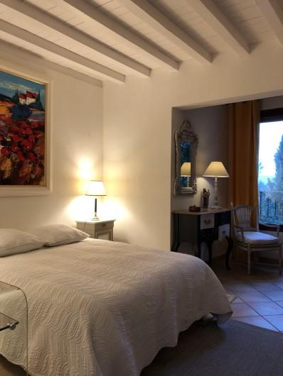 Location de vacances - Villa à Uzès - Chambre 2 sur terrasse avec bains et wc