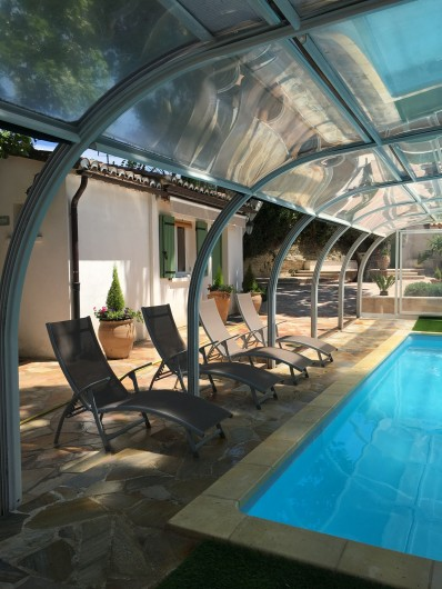 Location de vacances - Villa à Uzès - Cour Studio Piscine